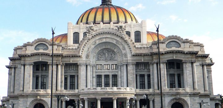 Presentan el volumen Testigos del Cervantino en el Palacio de Bellas Artes