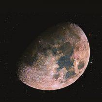 Un viaje espacial en la muestra De la Tierra a las lunas