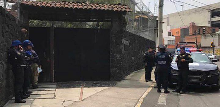 Muere niña por ataque de perros pitbull en Coyoacán