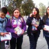 Estudiantes y maestra detenidos por difundir un volante que denuncia las arbitrariedades de Graco Ramírez