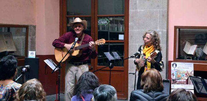 Un guiño al son mexicano, a cargo del dueto México Cenzontle
