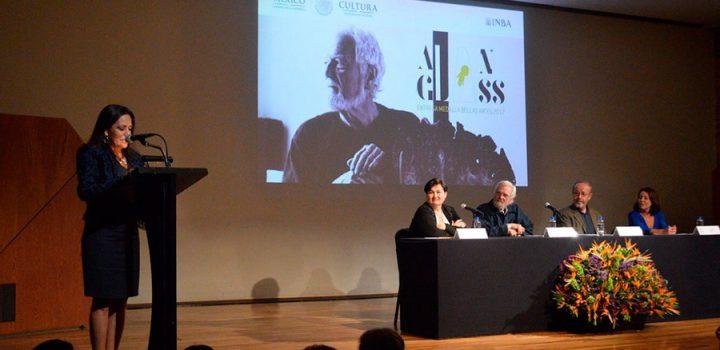 El arte excepcional de Alan Glass fue galardonado con la Medalla Bellas Artes