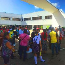 Secretaría de Educación estatal provoca plantón de maestros y alumnos en Chetumal