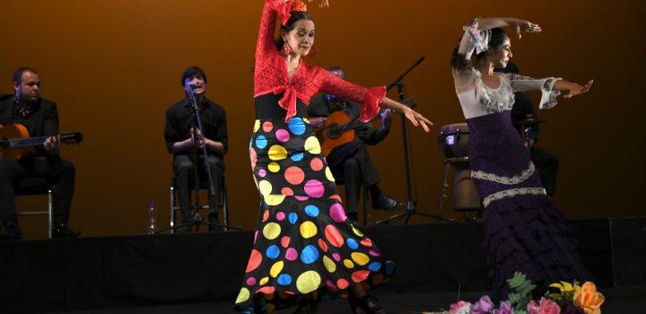 Elogian a la mujer con baile y cante flamenco