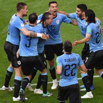 Uruguay lidera Grupo B al golear a Rusia 3-0