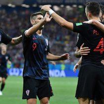 Croacia clasifica primera del Grupo D