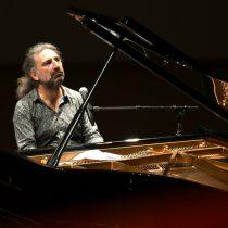 Exitosa presentación del pianista Stefano Bollani en el Cenart