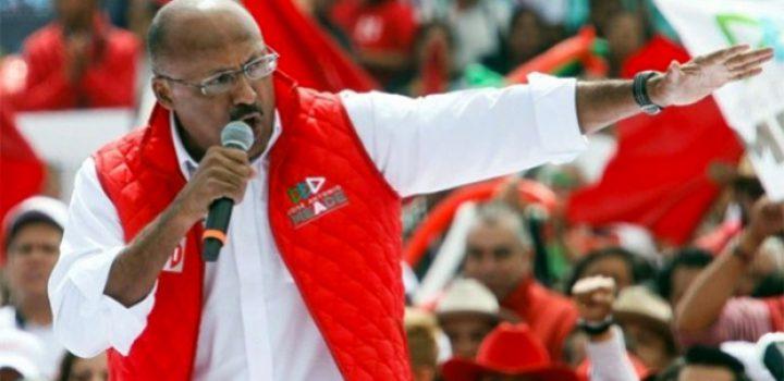René Juárez pide reconstruir al PRI desde las calles