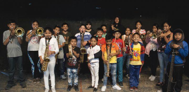 Niños de Tepito, Iztapalapa y municipios conurbados de la CDMX expresan sus inquietudes a ritmo de salsa, jazz latino y rockstady