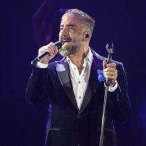 En tradicional Grito de Independencia, Alejandro Fernández canta a México