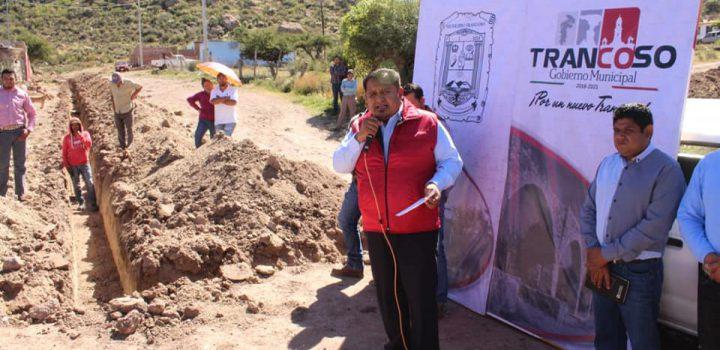Arranca César Ortiz canizales obras de redes hidráulicas en barrio el Trancosito