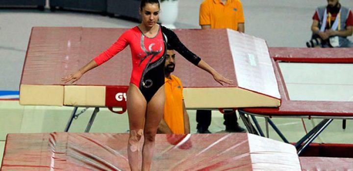 Dafne Navarro se instala en histórica semifinal de Mundial de Gimnasia