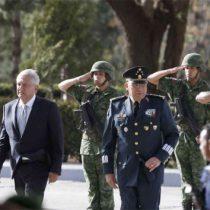 AMLO encabeza en Saltillo conmemoración del Día del Ejército