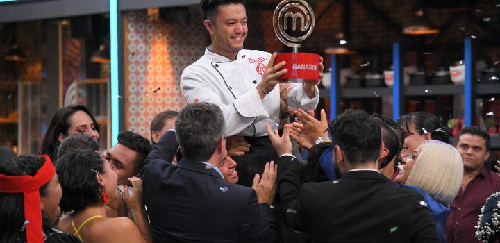 Ismael Zhu Li, se  convirtió en el ganador de MasterChef México