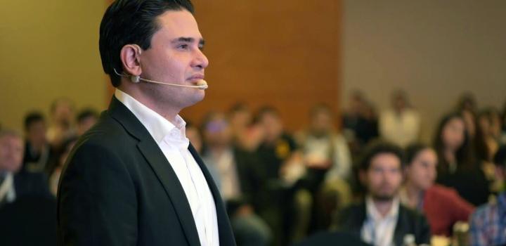 Nos estamos polarizando en las redes sociales: consultor político, Juan Carlos Guerrero