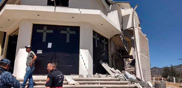 Pirotecnia 'vuela' capilla en Hidalgo