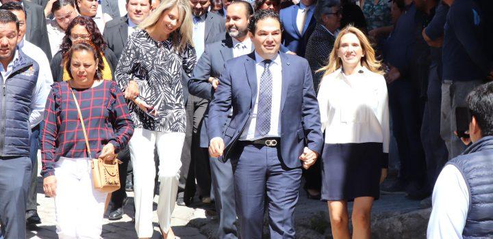 Entrega gobierno de Huixquilucan más obras en beneficio de familias