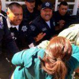Gobierno morenitas de La Paz reprime a vecinos de San Isidro con policías federales y municipales y soldados