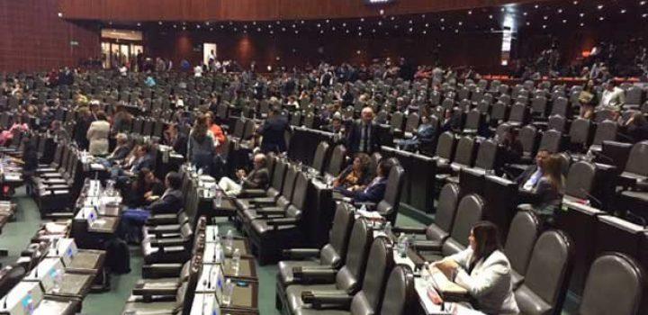 Diputados dejan en suspenso reforma a ley de Pemex