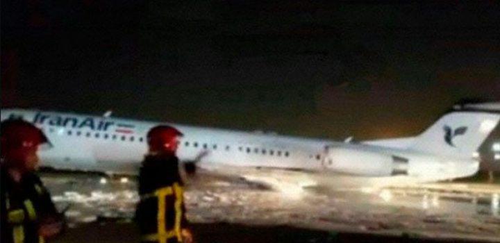 Se incendia avión en aeropuerto de Teherán