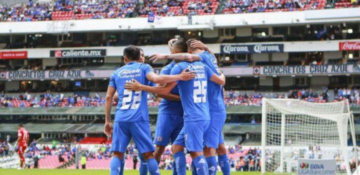 Cruz Azul regresa a zona de clasificación tras derrotar al Pachuca
