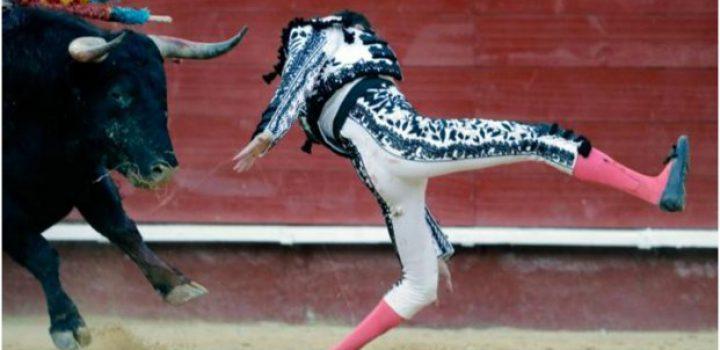 Enrique Ponce sufre cornada en pierna izquierda