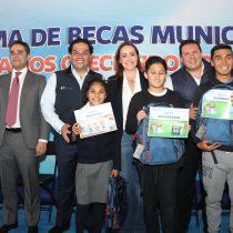 Veinte millones de pesos para becas a estudiantes de Huixquilucan