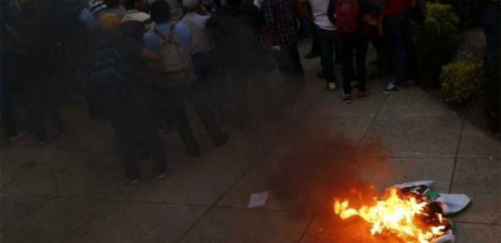 Diputados acuerdan sesionar en Senado… CNTE los bloquea