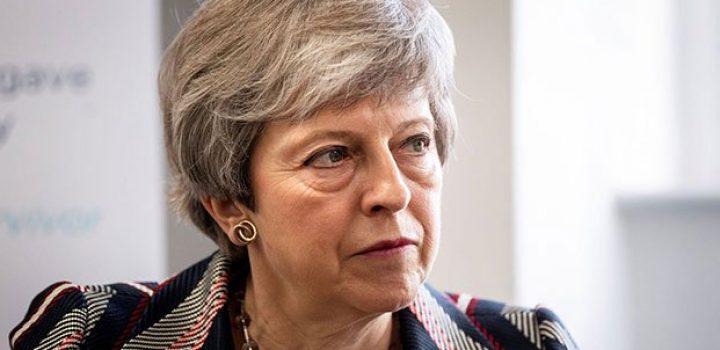 May presentará proyecto de ley para salir de la UE en junio