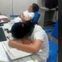 Paciente capta a enfermeras durmiendo en su turno
