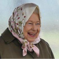 La reina Isabel II ofrece súper sueldo a quien le lleve sus redes sociales