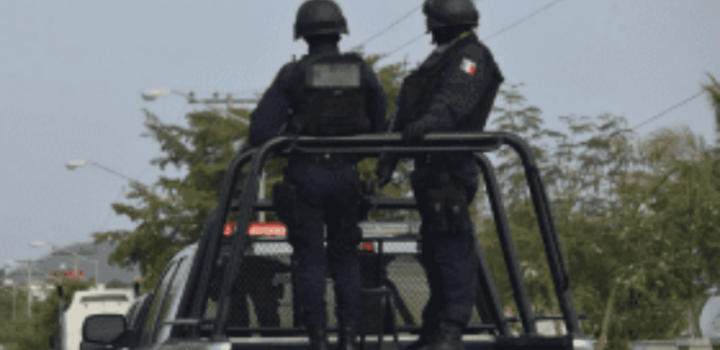 Secuestran a alcalde de Puebla, su esposa y dos funcionarios