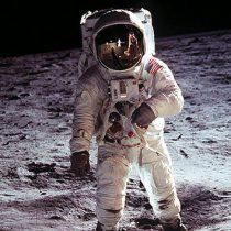 A ciegas, astronautas lograron primeras fotos del alunizaje