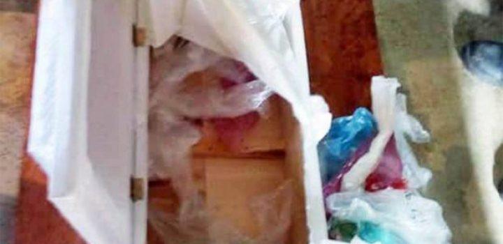 Va a hospital por el cuerpo de su bebé y le dan ataúd con basura