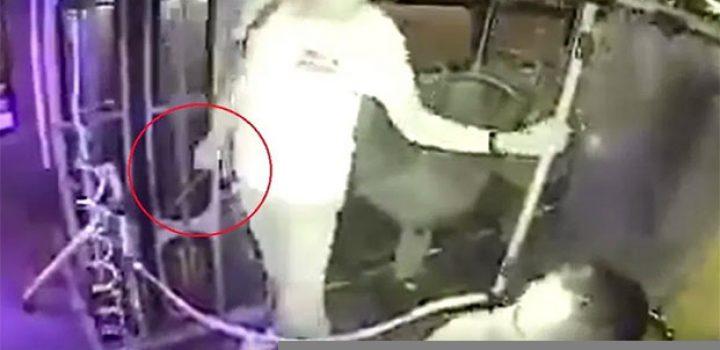 Asaltan a chofer de microbús con machete en Guadalajara