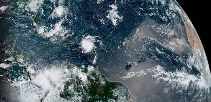 'Dorian' se convierte en huracán categoría 1