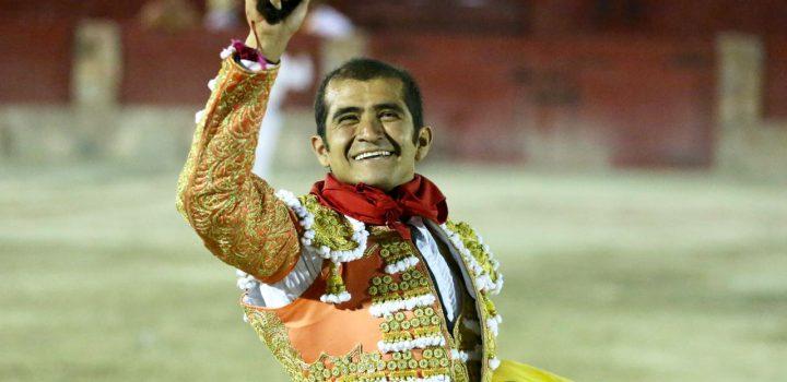 Joselito, reaparece y triunfa; tres orejas y el trofeo en disputa se lleva de Cedral
