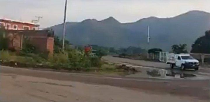 A granadazos CJNG ataca a 'El Abuelo' en Tepalcatepec