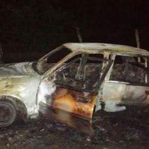 Investigan hallazgo de cuatro calcinados en un auto en Oaxaca