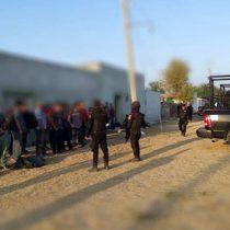 Caen 'polleros' con 32 migrantes en NL