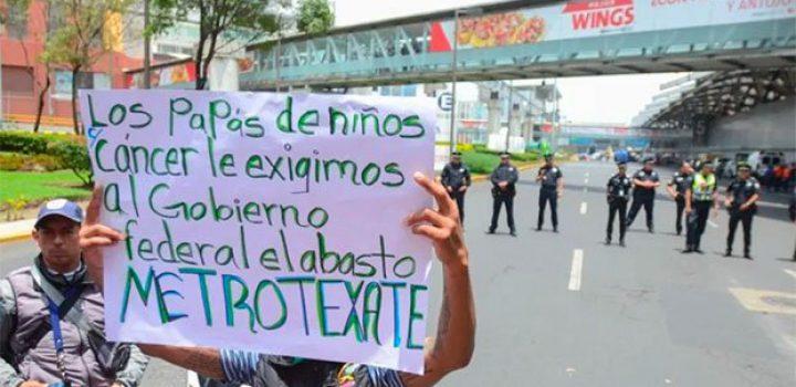 Padres de niños con cáncer mantendrán protestas hasta asegurar medicinas