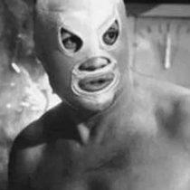 Guillermo del Toro mostró credencial del Santo sin máscara