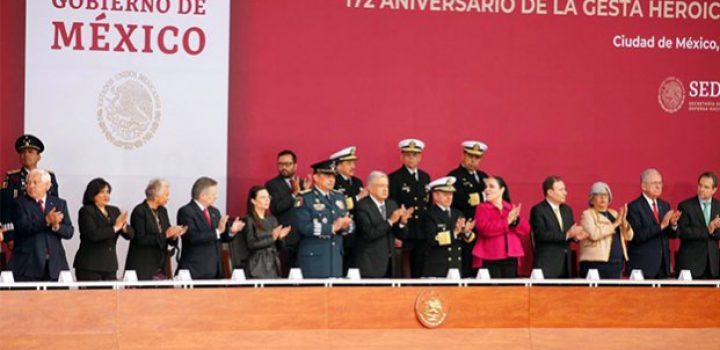 Conmemora López Obrador a los Niños Héroes
