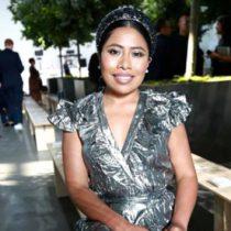 Yalitza Aparicio deslumbra en desfile de Michael Kors