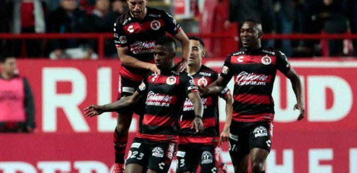 Un irregular Tijuana enfrentará a un Tigres con racha de empates