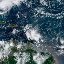 Huracán Humberto, ahora categoría 2, se acerca a Bermudas