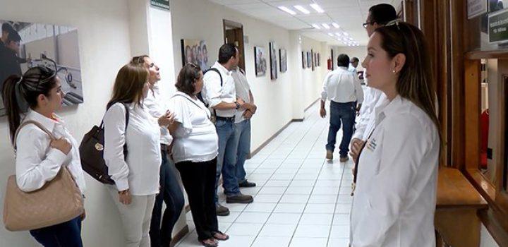 Fallas en el sistema deja sin quincena a 300 maestros