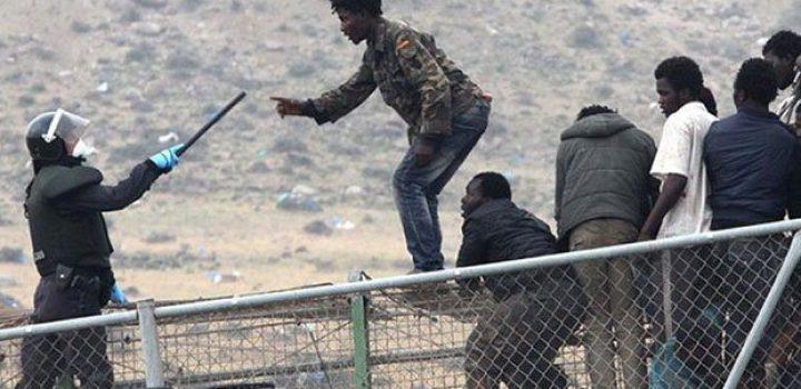 Cerca de 30 migrantes logran saltar la valla de España con Marruecos