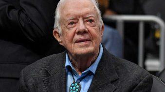 Jimmy Carter, hospitalizado de emergencia por fractura