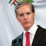 EdoMéx tiene 9.5 millones de pobres; Alfredo del Mazo, indiferente